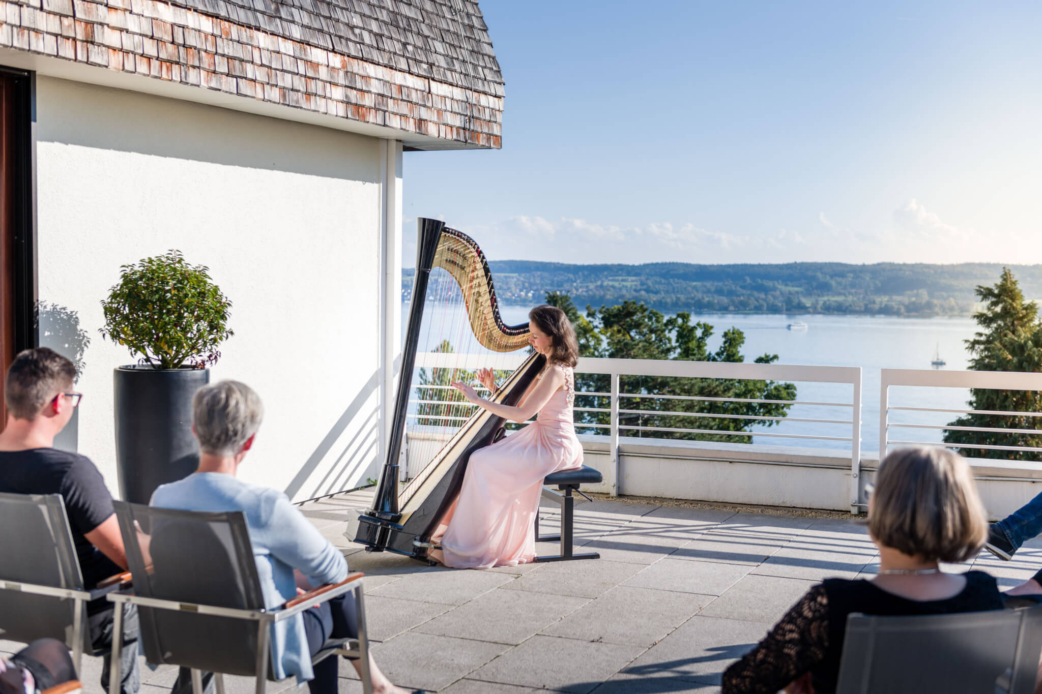 Buchinger Wilhelmi, Fasten, Heilfasten, Fasting, Health, Integrative Medicine, Terasse, Aussicht, View, Bodensee, Lake of Constance, Harfe, Musik, Konzert, Music, Concert, Entertainment
