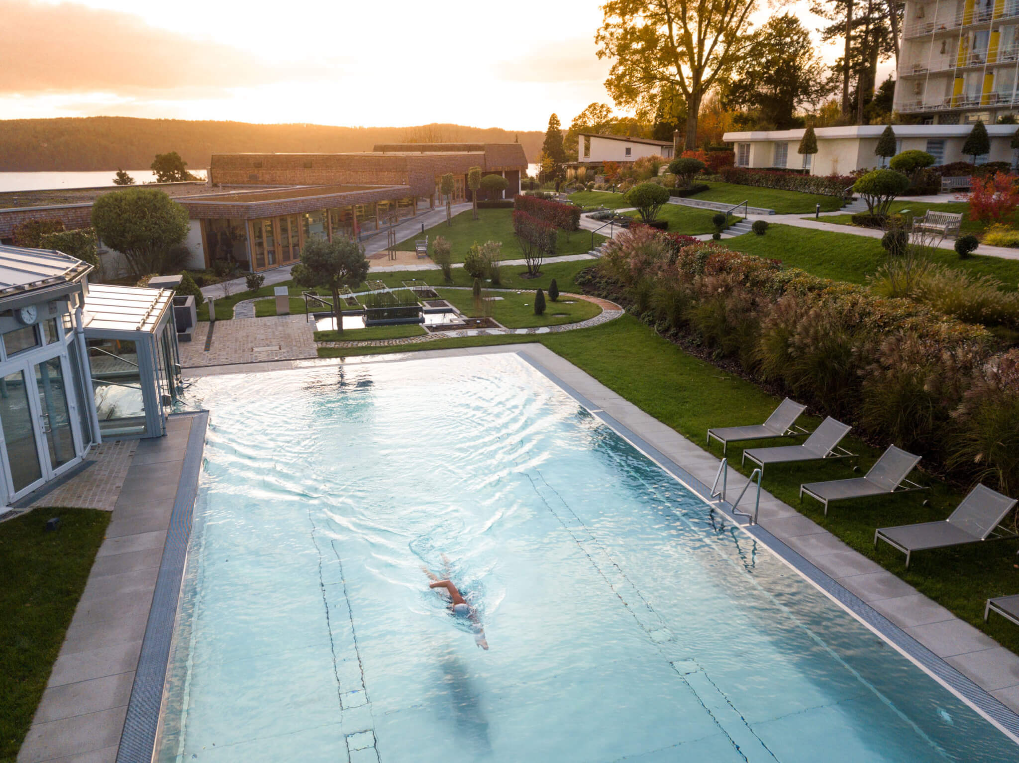 Buchinger Wilhelmi, Fasten, Heilfasten, Fasting, Health, Integrative Medicine, Sonnenuntergang, Pool, Schwimmen, Gelände