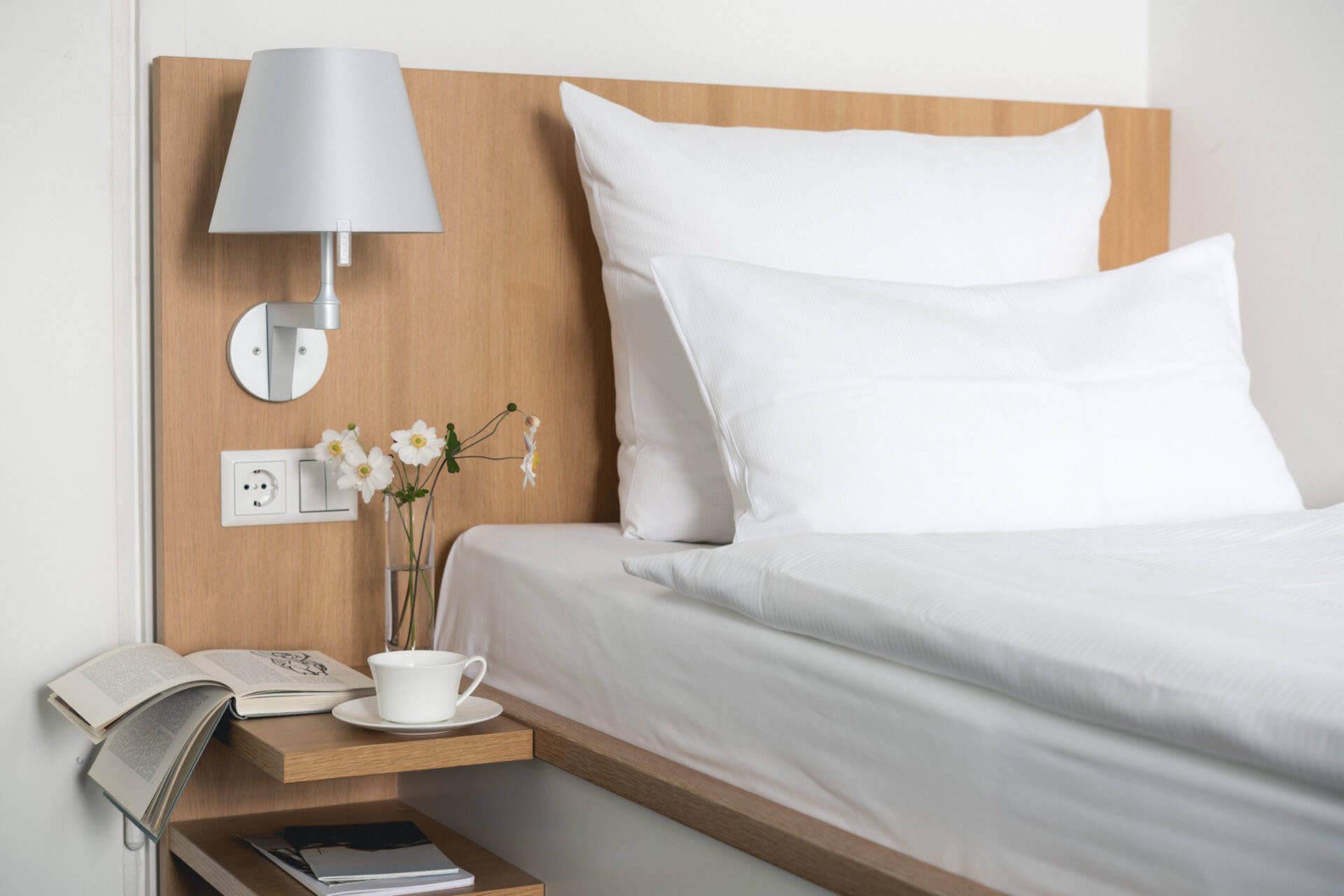 Buchinger Wilhelmi, Fasten, Heilfasten, Fasting, Health, Integrative Medicine, Standard Plus Zimmer, Standard Plus Room, Bett, Bed