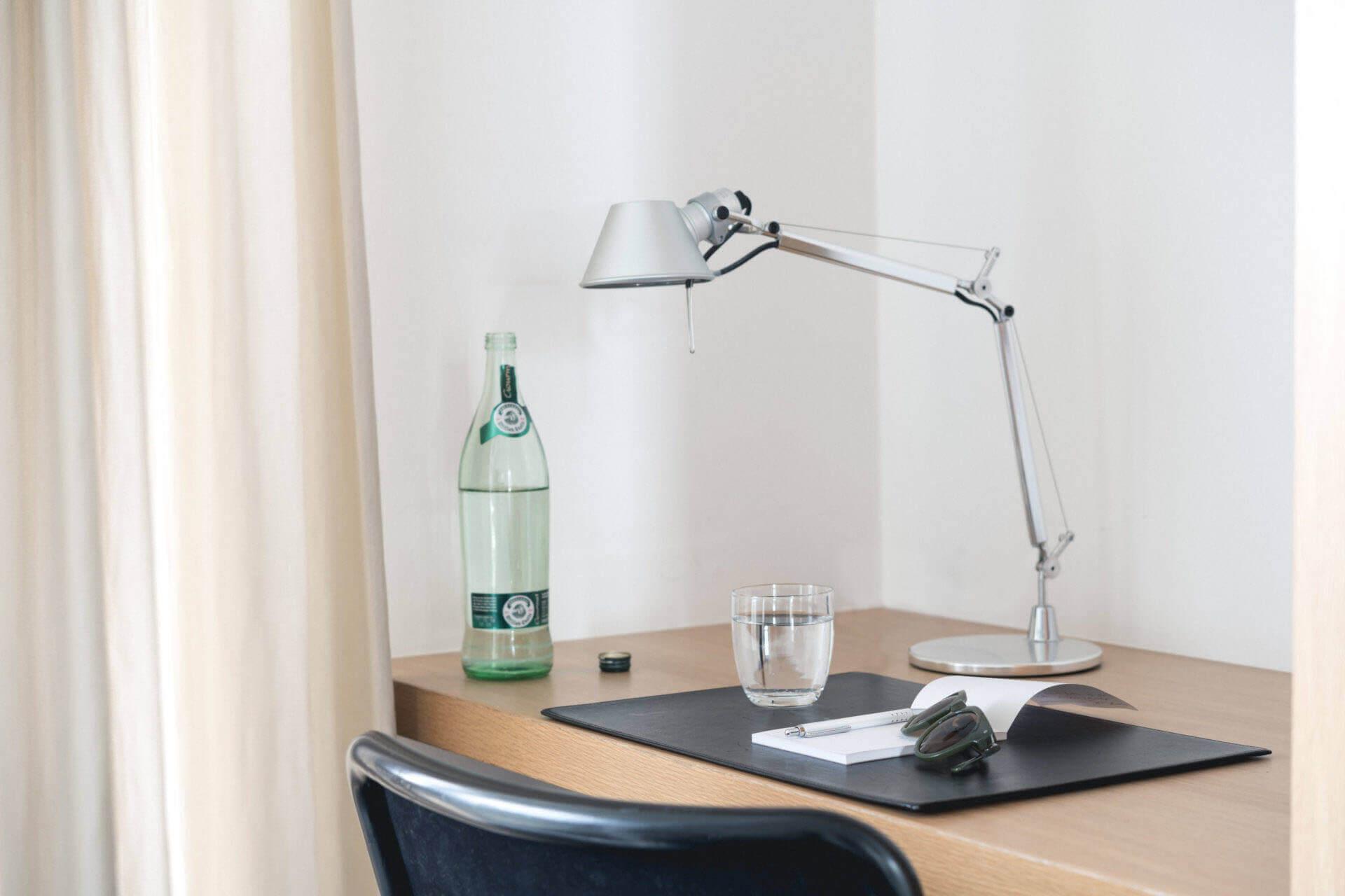 Buchinger Wilhelmi, Fasten, Heilfasten, Fasting, Health, Integrative Medicine, Standard Plus Zimmer, Schreibtisch, Desk, Standard Plus Room