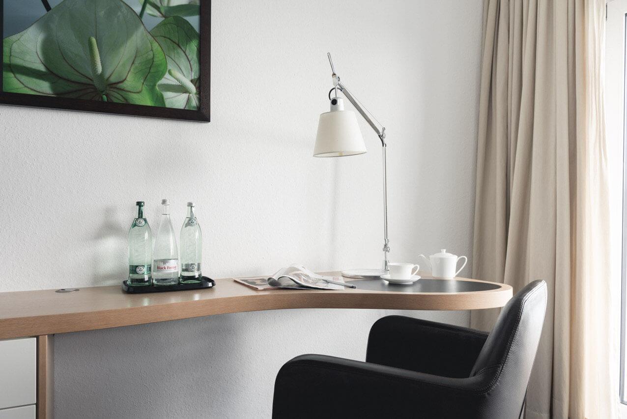 Buchinger Wilhelmi, Fasten, Heilfasten, Fasting, Health, Integrative Medicine, Superior Zimmer, Ausstattung, Furniture, Schreibtisch, Desk