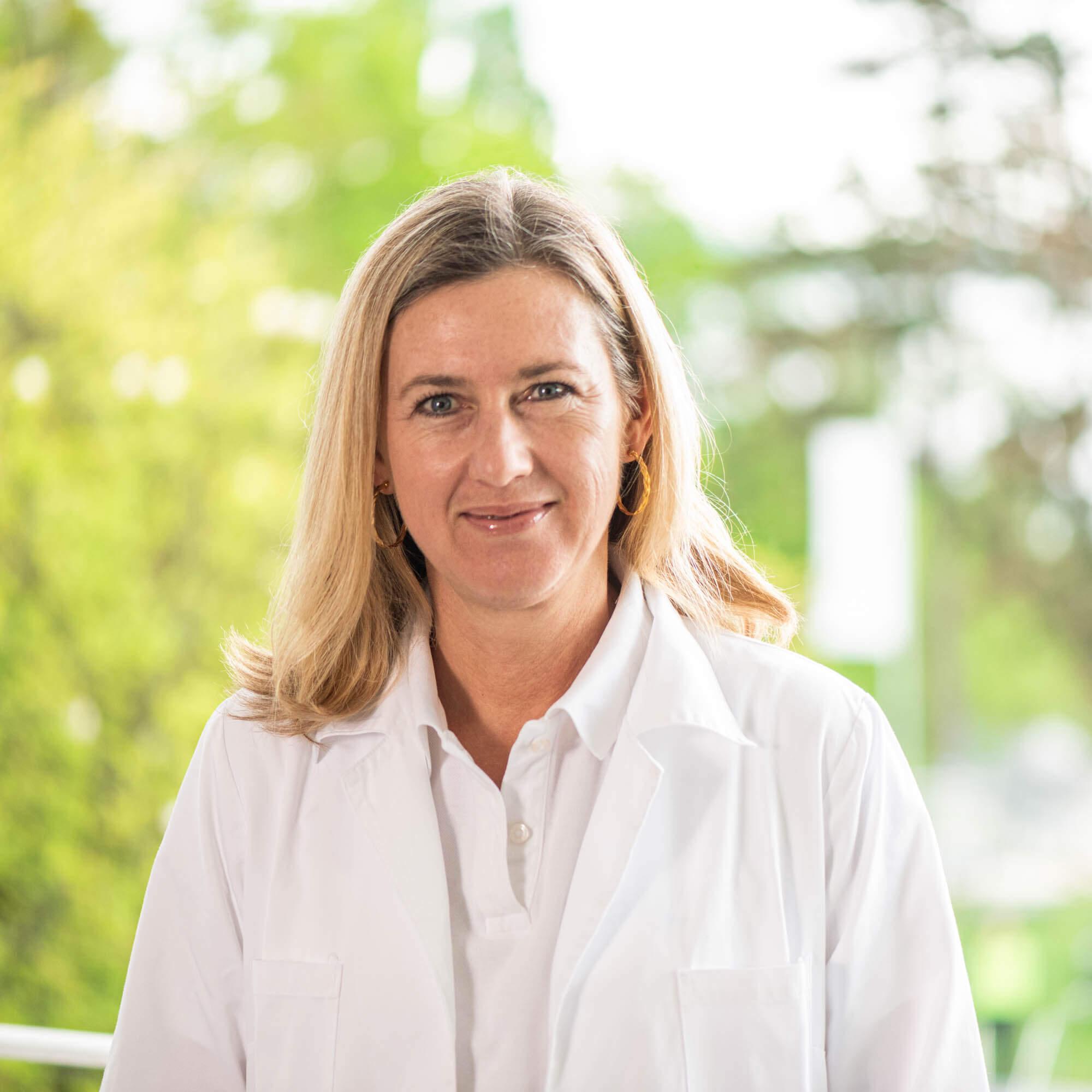 Dra. Andrea Siegler